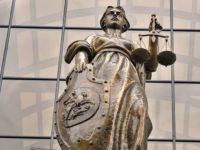 Верховный суд отменил запрет на въезд мигранту, проживающему в России со своей семьей