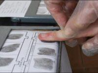У иностранцев по приезду в Россию будут снимать отпечатки пальцев