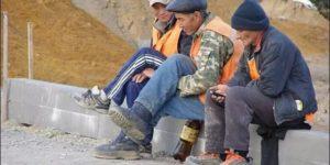 Полмиллиона рублей за мигрантов. В Петербурге оштрафовали начальника стройки