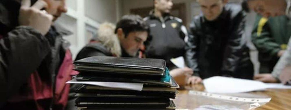 Мигранты организовали в Санкт-Петербурге свой «центр» ФМС