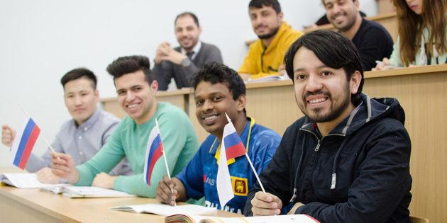 Иностранные студенты смогут работать без официального разрешения